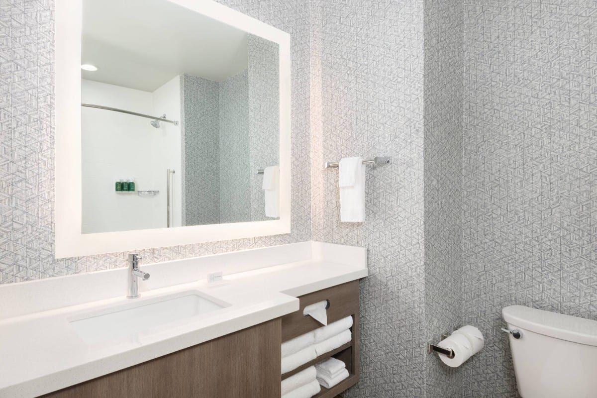 pfnsh-bathroom-4058-hor-clscresized